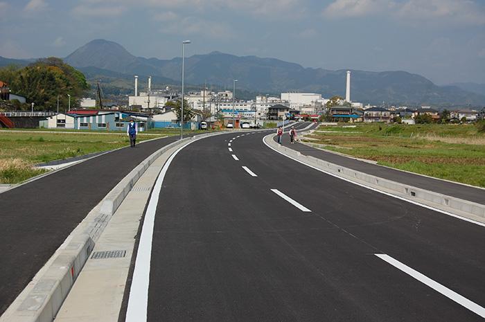 都市計画道路飯沢栢山線道路改良工事